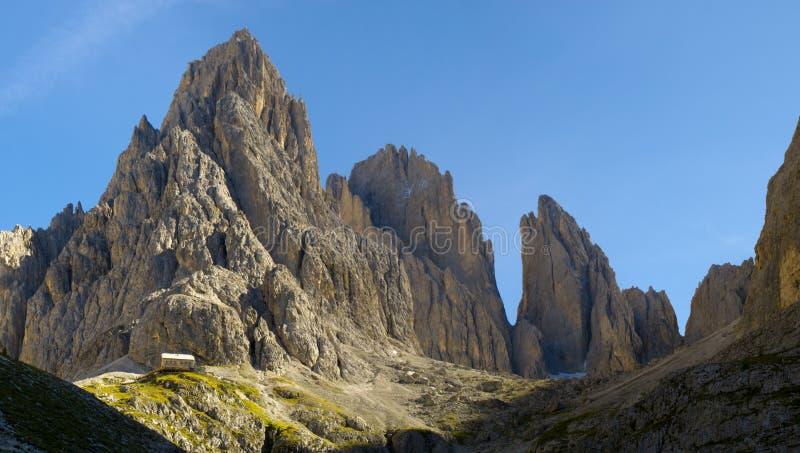 Panorama de las dolomías de las montañas fotografía de archivo libre de regalías