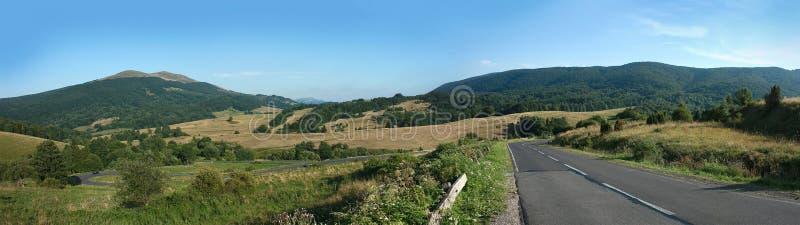 Panorama de las montañas de Bieszczady imagen de archivo