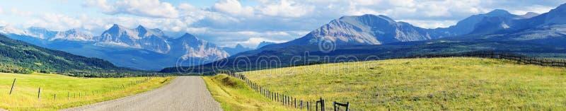 Panorama de las montañas rocosas imágenes de archivo libres de regalías
