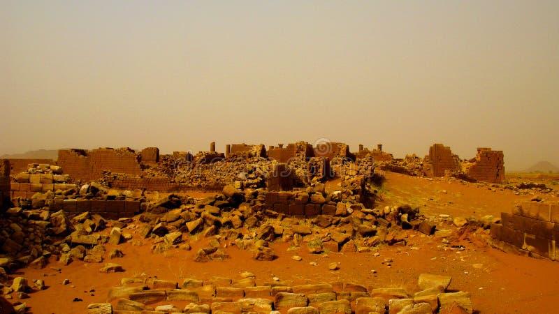 Panorama de las ruinas de Musawwarat es-Sufra en Meroe, Sudán fotos de archivo libres de regalías