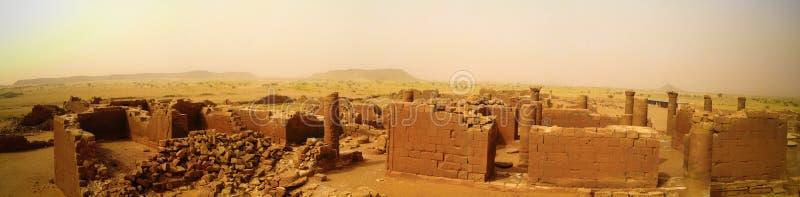Panorama de las ruinas de Musawwarat es-Sufra en Meroe, Sudán imágenes de archivo libres de regalías