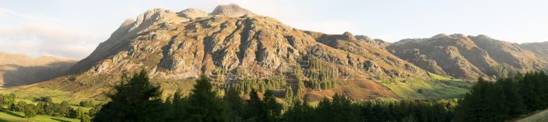 Panorama de los lucios de Langdale fotos de archivo