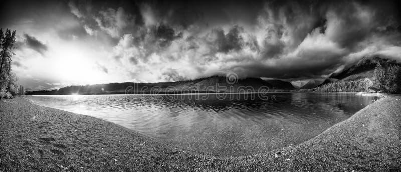 Panorama de McDonald del lago imagen de archivo