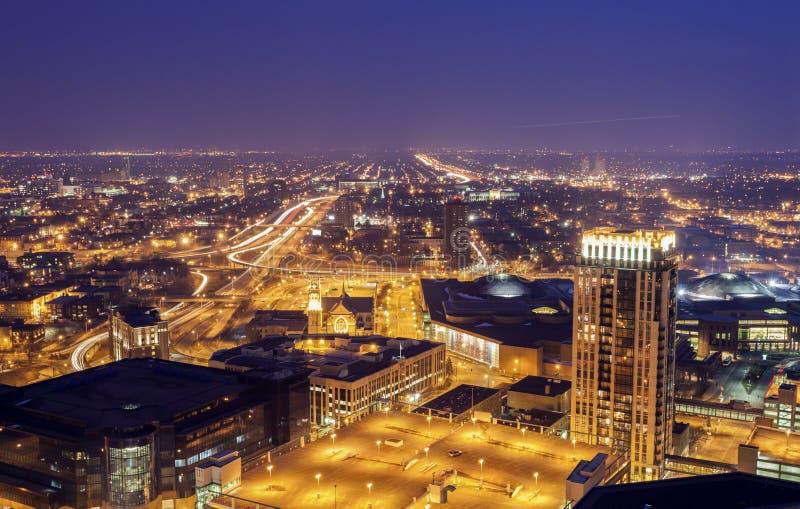 Panorama de Minneapolis au coucher du soleil images stock