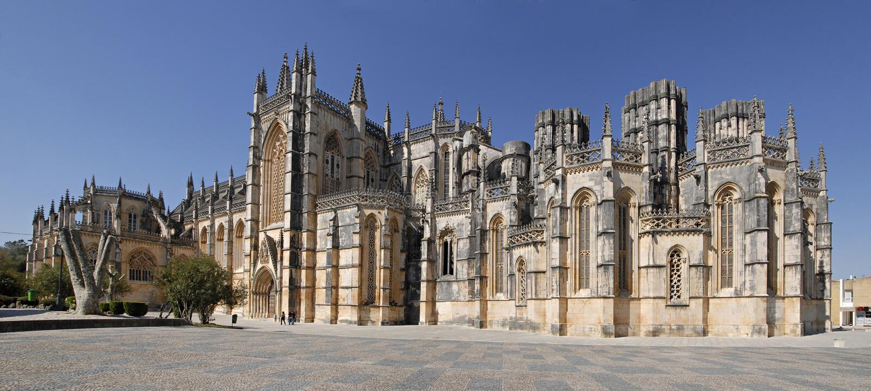 Panorama de monastère gothique de Batalha au Portugal. photos libres de droits