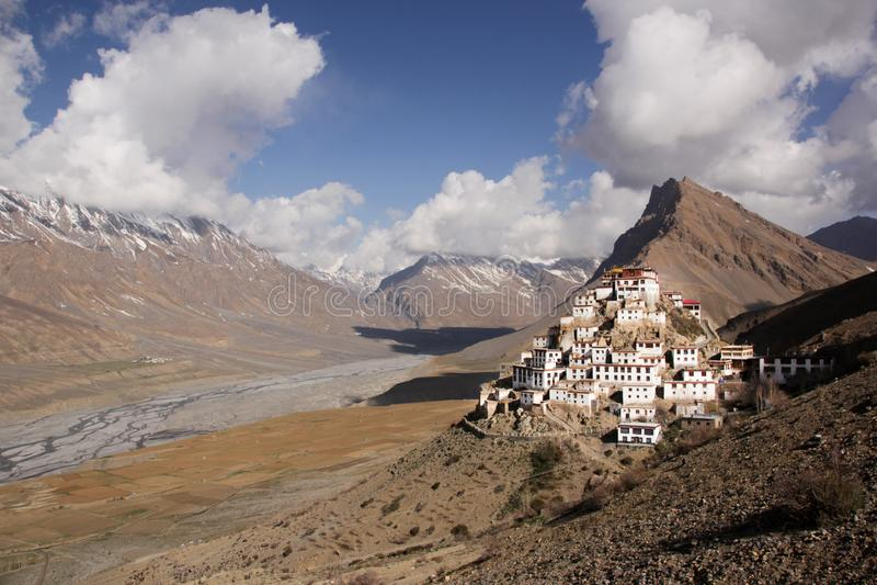 Panorama de monastère de Ki/Key/Kee et de rivière de Spiti image stock