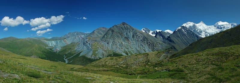 Panorama de montagne de Belukha, Altai, Russie images stock