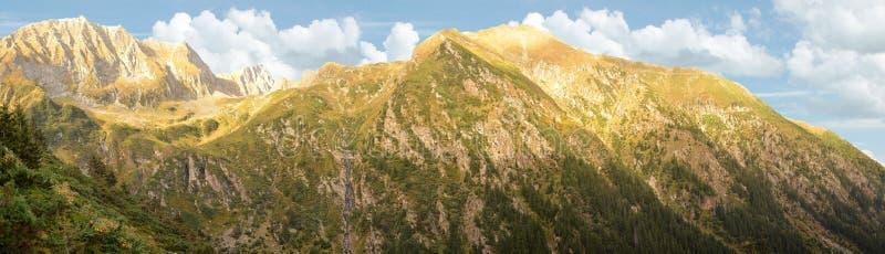 Panorama de montagnes de Făgăraș images libres de droits