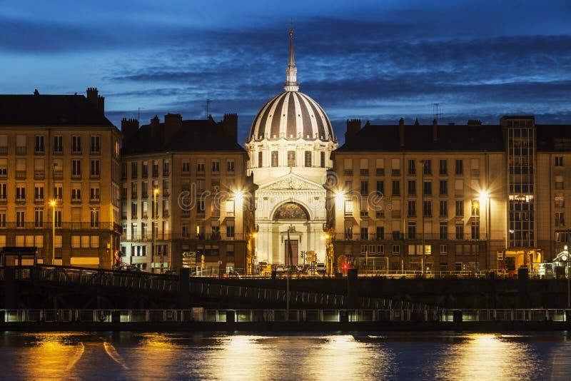 Panorama de Nantes através do Rio Loire imagens de stock royalty free