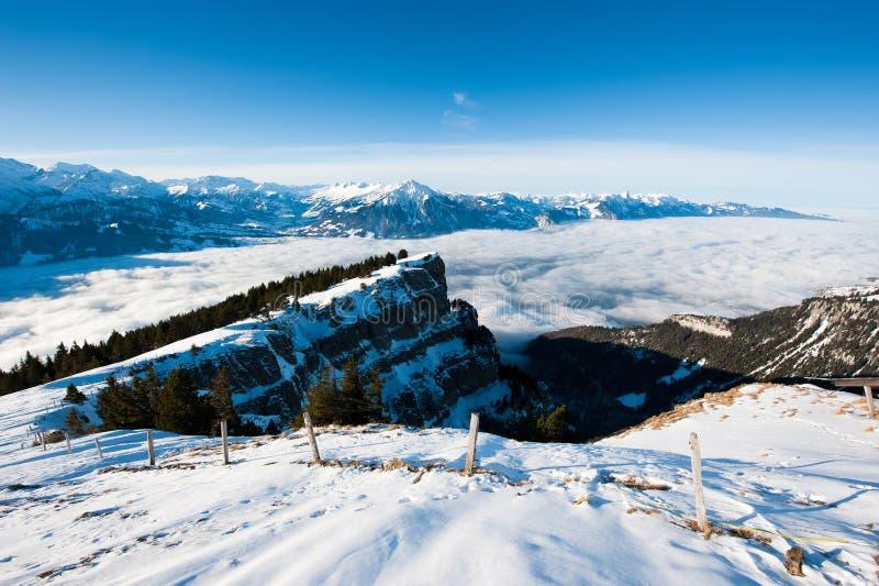 Panorama de Niederhorn en invierno imagen de archivo libre de regalías