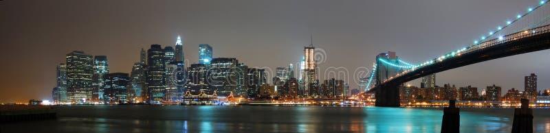 Panorama de nuit de New York City images libres de droits