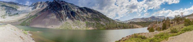 Panorama de parc national de Yosemite pris d'observer le point cali image stock