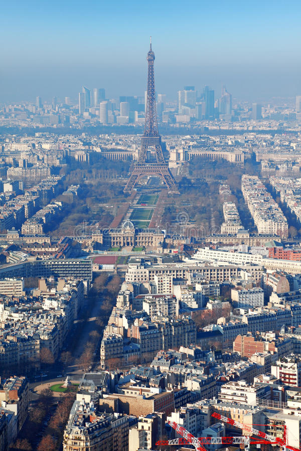 Panorama de Paris avec Tour Eiffel à l'hiver photo stock