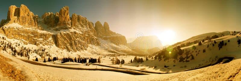 Panorama de Passo Gardena, Italia imagen de archivo libre de regalías