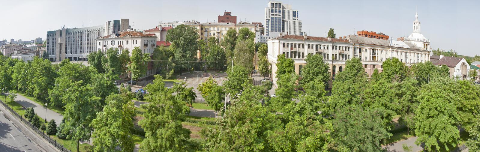 Download Panorama De Paysage Urbain De Dnipropetrovsk, Ukraine Photo stock - Image du architecture, résidentiel: 45352402