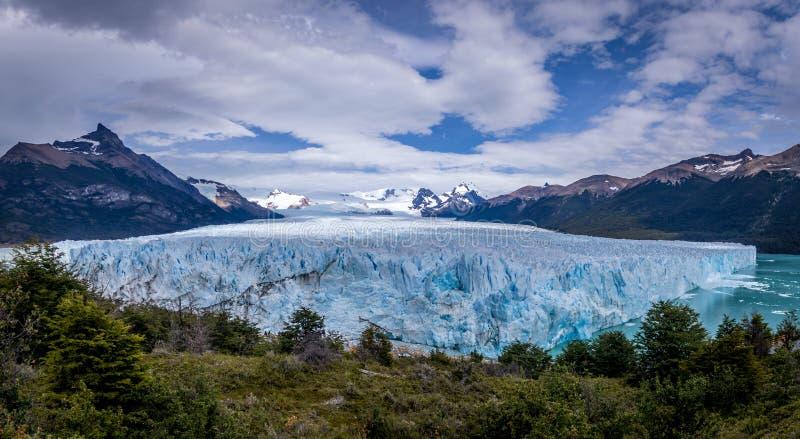 Panorama de Perito Moreno Glacier en la Patagonia - EL Calafate, la Argentina fotos de archivo