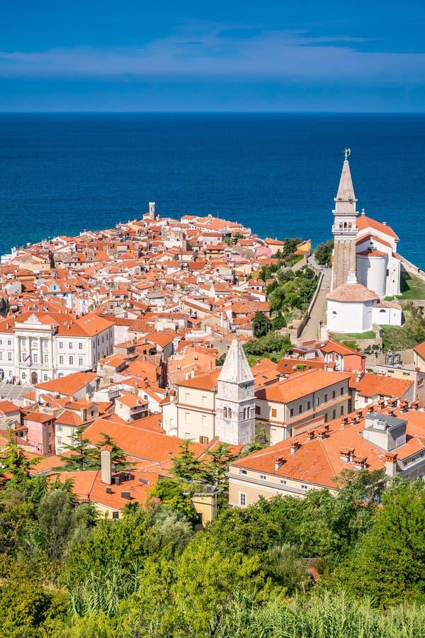 Panorama de Piran hermoso, Eslovenia imagen de archivo
