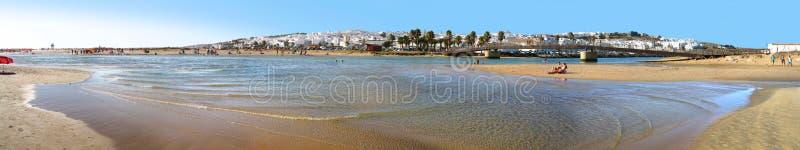Panorama de plage de La Frontera du conil De image stock
