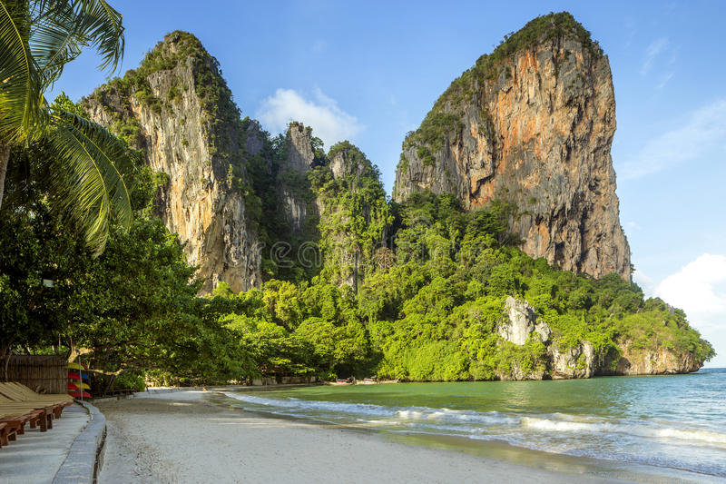 Panorama de plage de Railay dans la province de Krabi, Thaïlande photos libres de droits