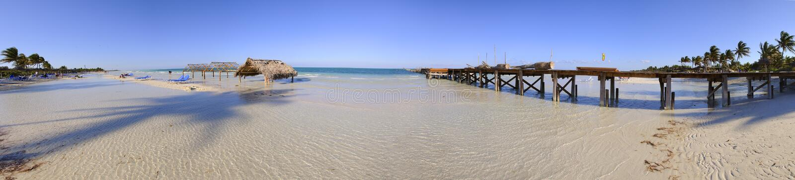 panorama de plage tropical photographie stock libre de droits