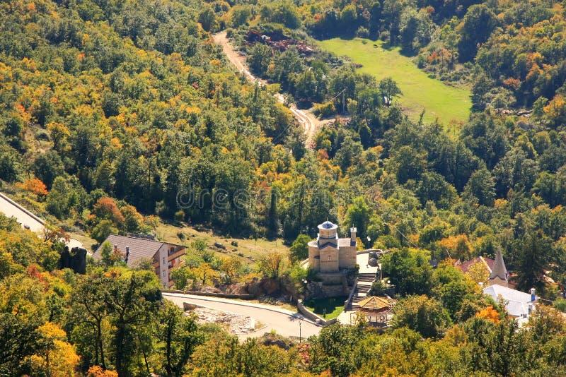 Panorama de plaine de Bjelopavlici de monastère d'Ostrog, Monténégro photo stock