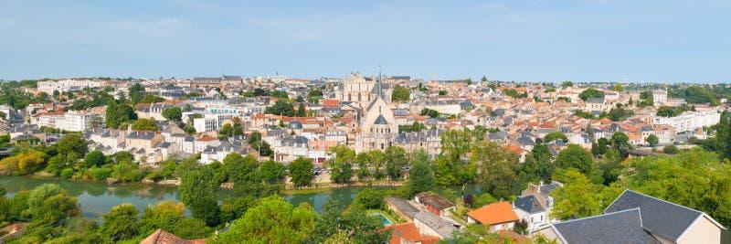 Panorama de Poitiers no verão imagens de stock royalty free