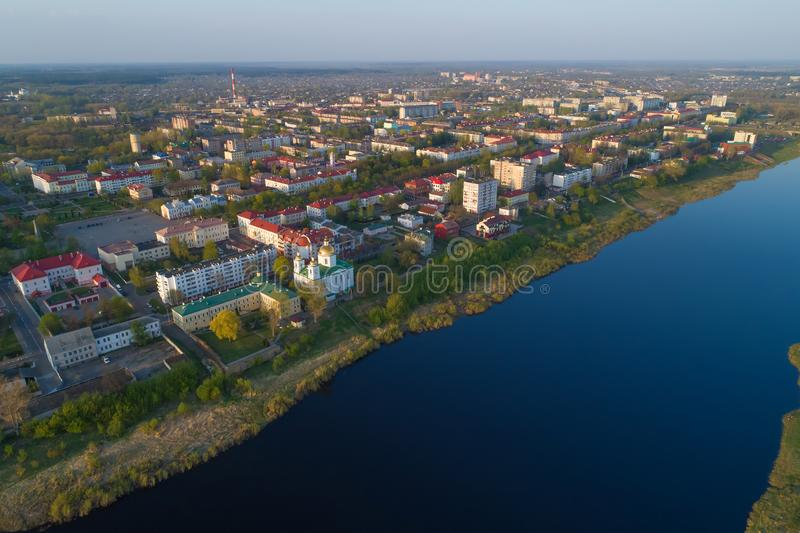 Panorama de Polotsk moderne, photographie aérienne de jour d'avril Belorus images libres de droits