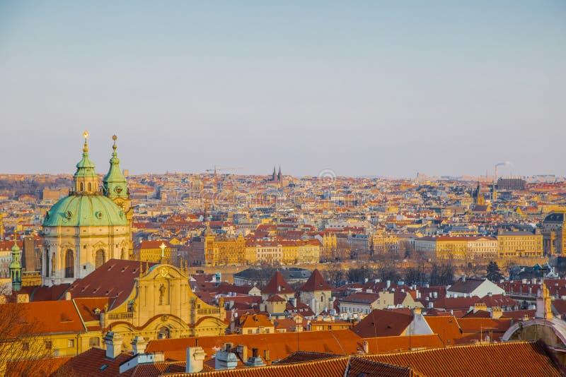 Panorama de Prague Il est ensoleillé photographie stock libre de droits