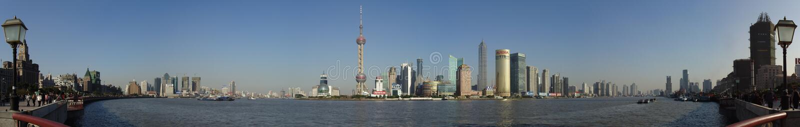 Panorama de Pudong visto de Shangai, China imagen de archivo libre de regalías