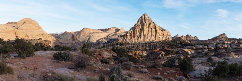 Panorama de pyramide de Pectols - parc national de récif capital, Utah photographie stock libre de droits