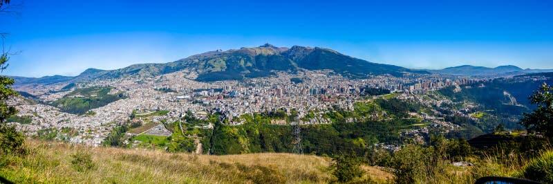 Panorama de Quito, Ecuador fotografía de archivo