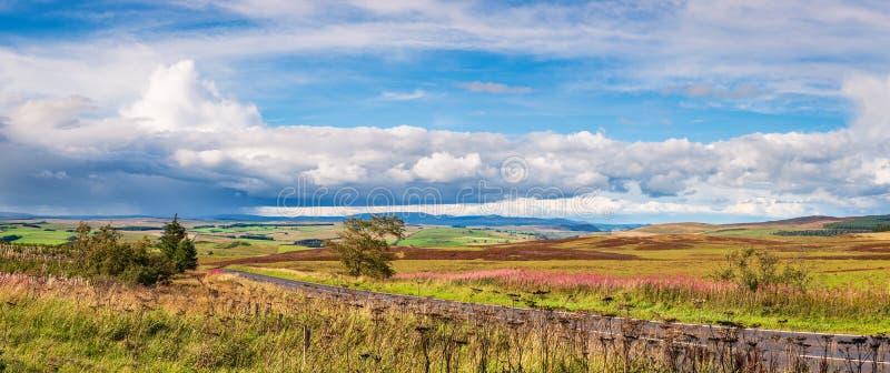 Panorama de Redesdale y de las colinas de Cheviot fotos de archivo