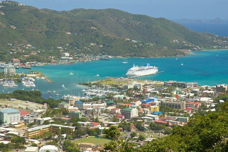 Panorama de Roadtown en Tortola, del Caribe fotografía de archivo