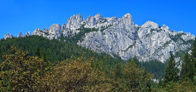 Panorama de rochers de château images stock