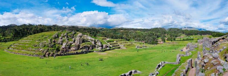 Panorama de Sacsayhuaman, ruínas do Inca em Cusco, Peru imagem de stock royalty free
