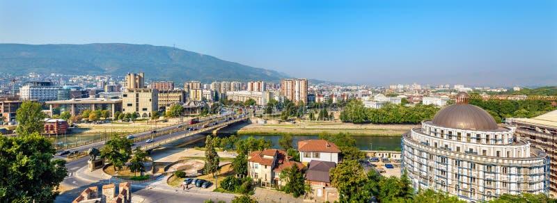 Panorama de Skopje da fortaleza imagens de stock royalty free