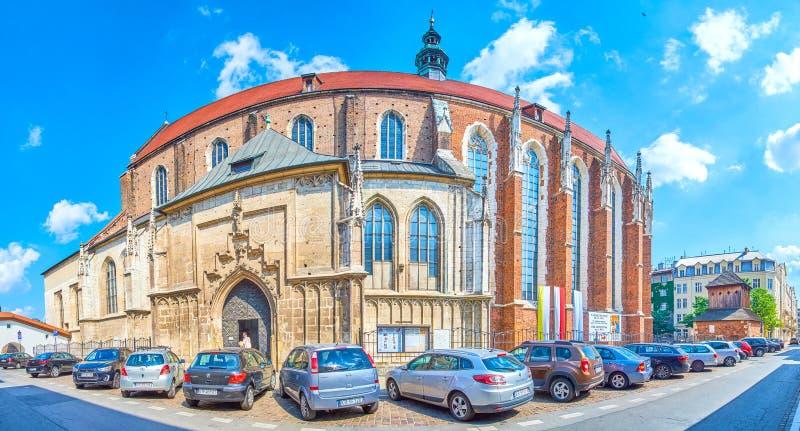 Panorama de St Catherine Church en Kraków, Polonia fotos de archivo