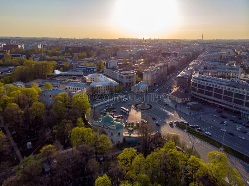 Panorama de St Petersburg Rusia Centro de ciudad Alexander Nevsky Bridge R?o de Neva Alexander Nevsky Square Configuraci?n fotos de archivo libres de regalías