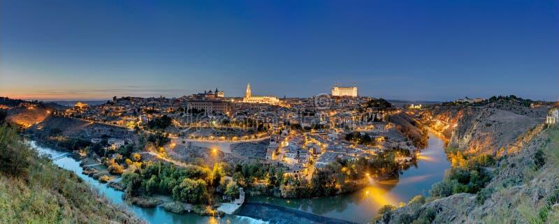 Panorama de Toledo no alvorecer imagens de stock royalty free