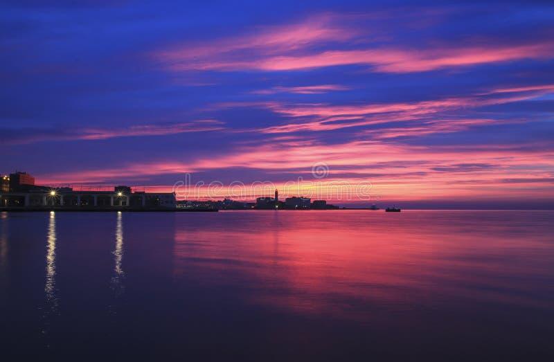 Panorama de Trieste au-dessus de Mer Adriatique, Italie photos stock