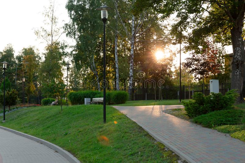 Panorama de un parque hermoso de la ciudad imagen de archivo