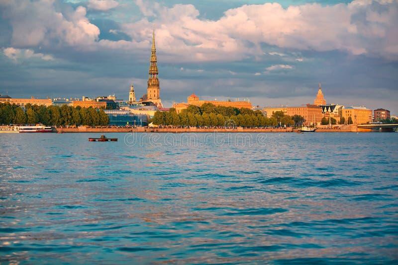 Panorama de vieille ville de Riga photos libres de droits