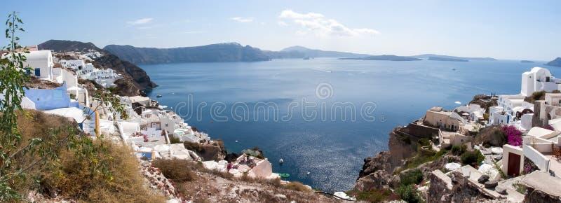 Panorama de ville d'Oia et de caldeira de volcan, Santorini, Grèce image libre de droits