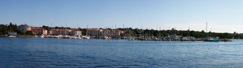 Panorama de ville de Cervar Porat images stock