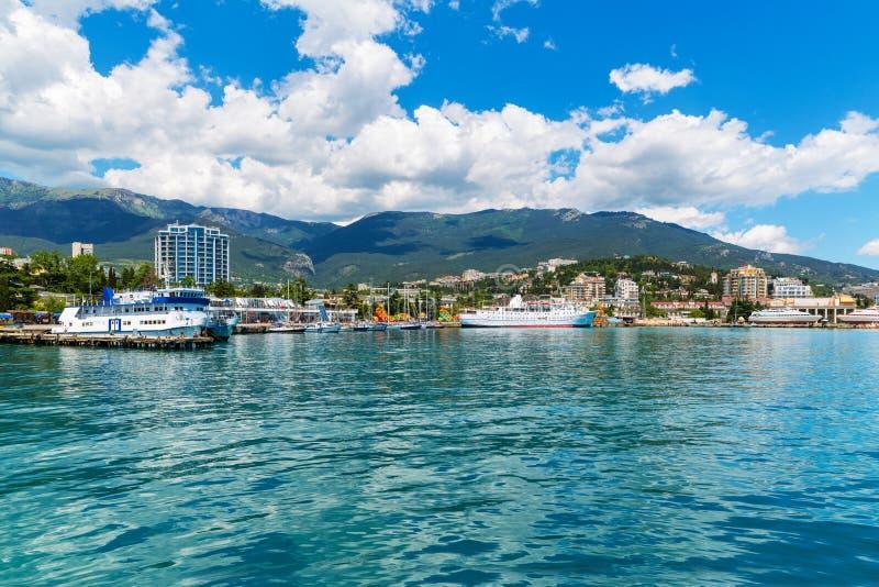 Panorama de Yalta, Crimea, Ucrania imagenes de archivo