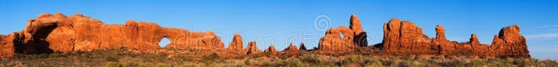 Panorama degli archi nazionali fotografia stock