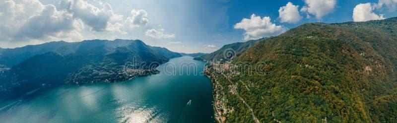 Panorama del abejón de la realidad virtual del vr del aire 360 del abejón del lago italy Como imagen de archivo
