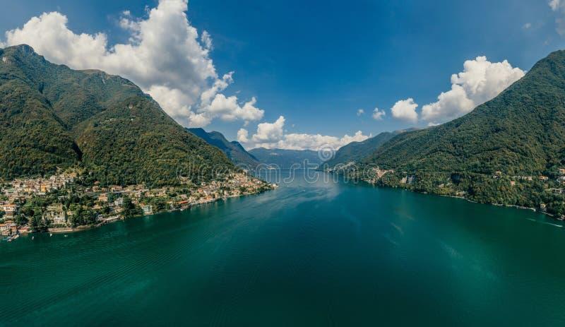 Panorama del abejón de la realidad virtual del vr del aire 360 del abejón del lago italy Como fotos de archivo