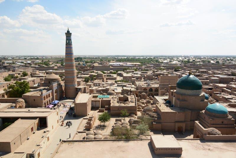 Panorama del alminar de Juma Itchan Kala Khiva uzbekistan fotos de archivo