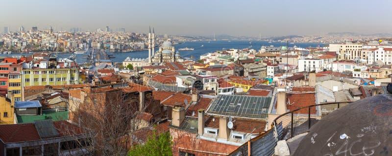 Panorama del Bósforo y de las piezas de Estambul y del cuerno de oro B fotos de archivo libres de regalías